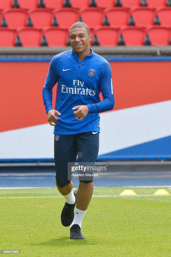 Paris Saint Germain : Training Session At Parc Des Princes