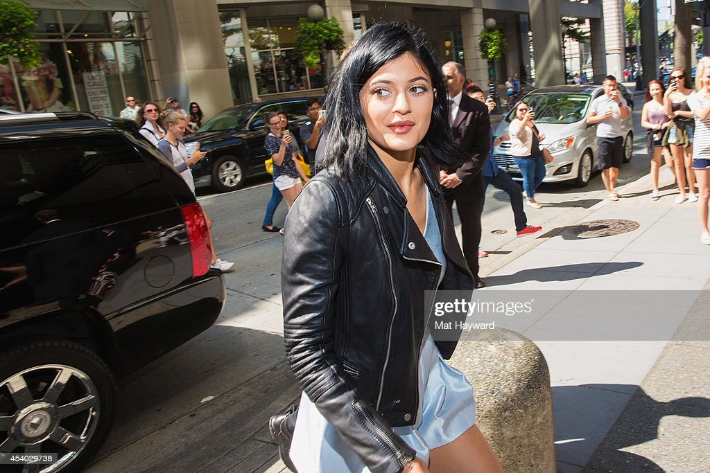 15f40d1ad15 Madden Girl Meet And Greet With Kendall Jenner And Kylie Jenner At Nordstrom  Downtown Seattle
