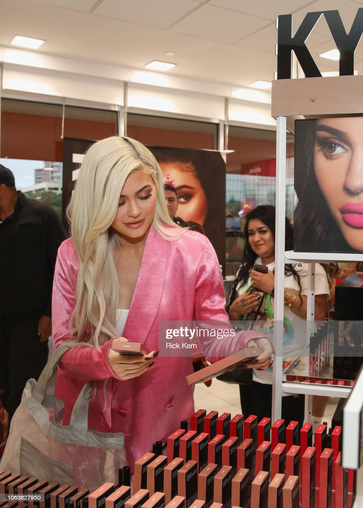 Kylie Jenner Visits Houston Ulta Beauty To Promote The Exclusive News Photo Getty Images
