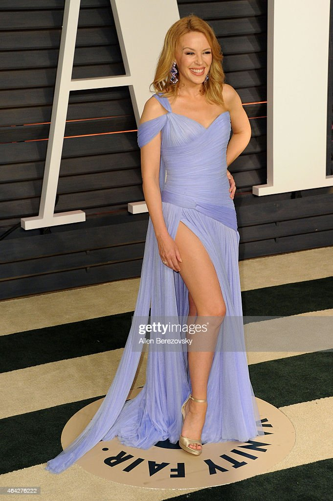 Kylie Minogue arrives at the 2015 Vanity Fair Oscar Party at Wallis Annenberg Center for the Performing Arts on February 22, 2015 in Beverly Hills, California.