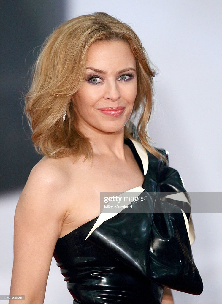 The BRIT Awards 2014 - Red Carpet Arrivals : News Photo