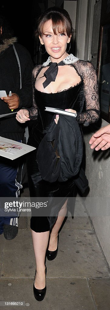 Celebrity Sightings In London - November 6, 2011 : News Photo
