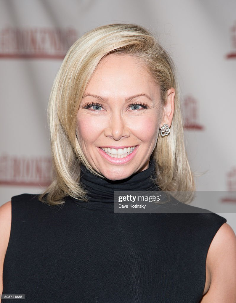 "Kym Johnson Signs Copies Of Her New Book ""The 5678 Diet"" : News Photo"