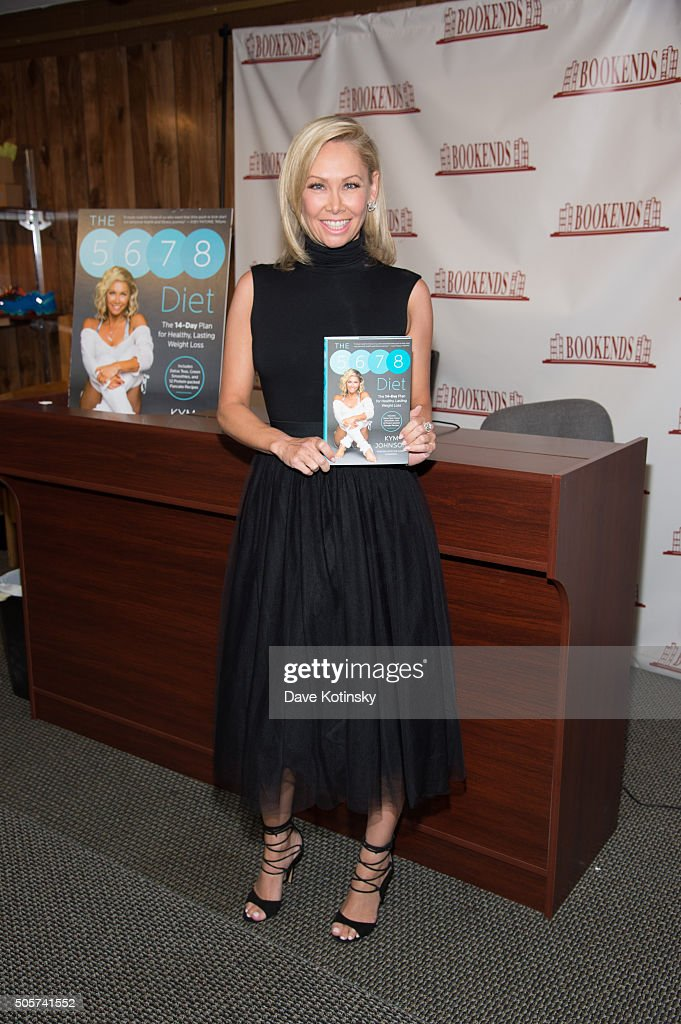 """Kym Johnson Signs Copies Of Her New Book """"The 5678 Diet"""" : News Photo"""