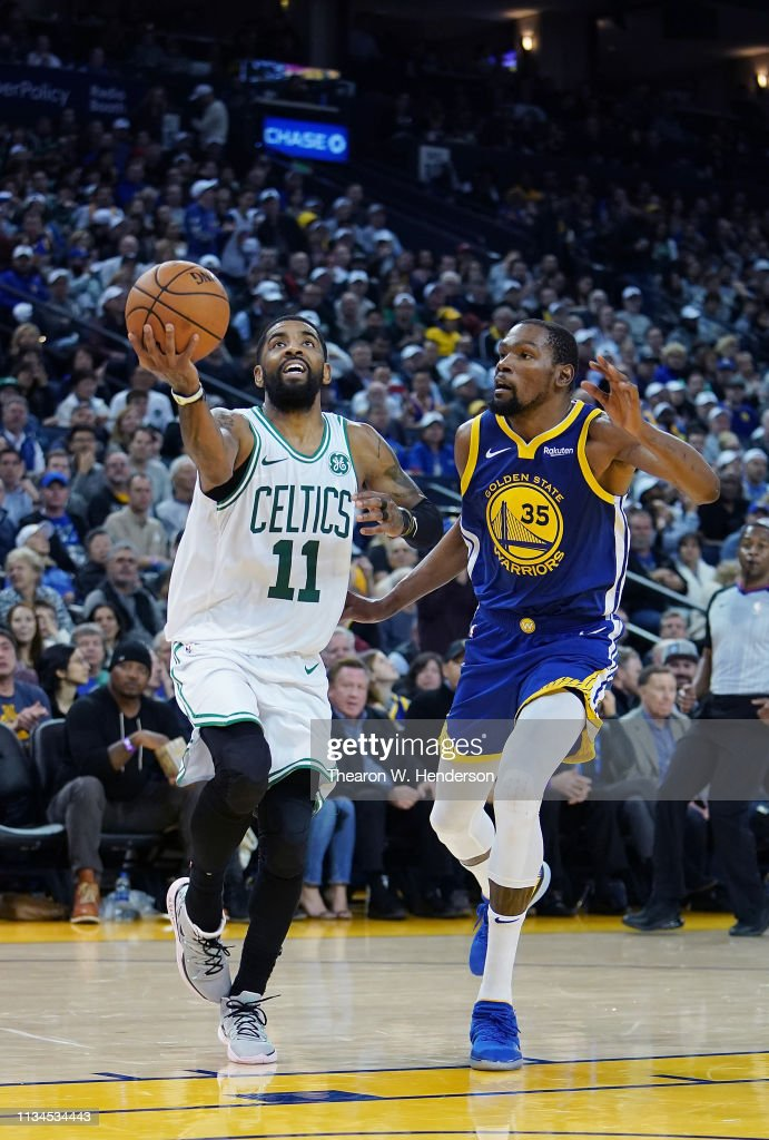 le dernier 247f8 4b24f Kyrie Irving of the Boston Celtics drives to the basket on ...