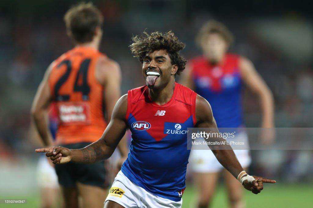 AFL Rd 3 - GWS v Melbourne : News Photo