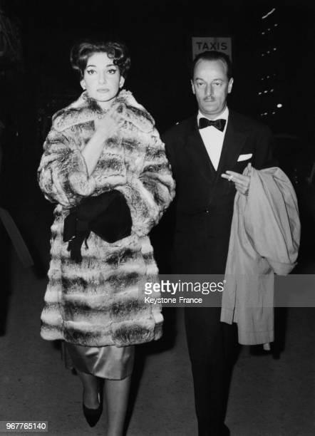 La cantatrice Maria Callas et son mari Giovanni Battista Meneghini à Paris France le 22 avril 1959