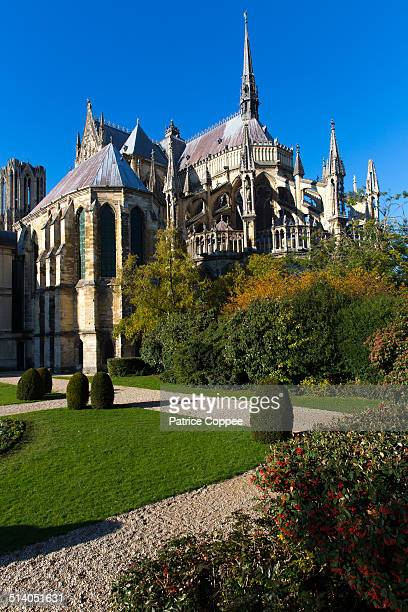 la cathedrale de reims - reims cathedral stock pictures, royalty-free photos & images