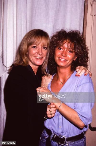 La chanteuse Alice Dona e sa fille Raphaëlle lors d'une soirée en octobre 1991 à Paris France