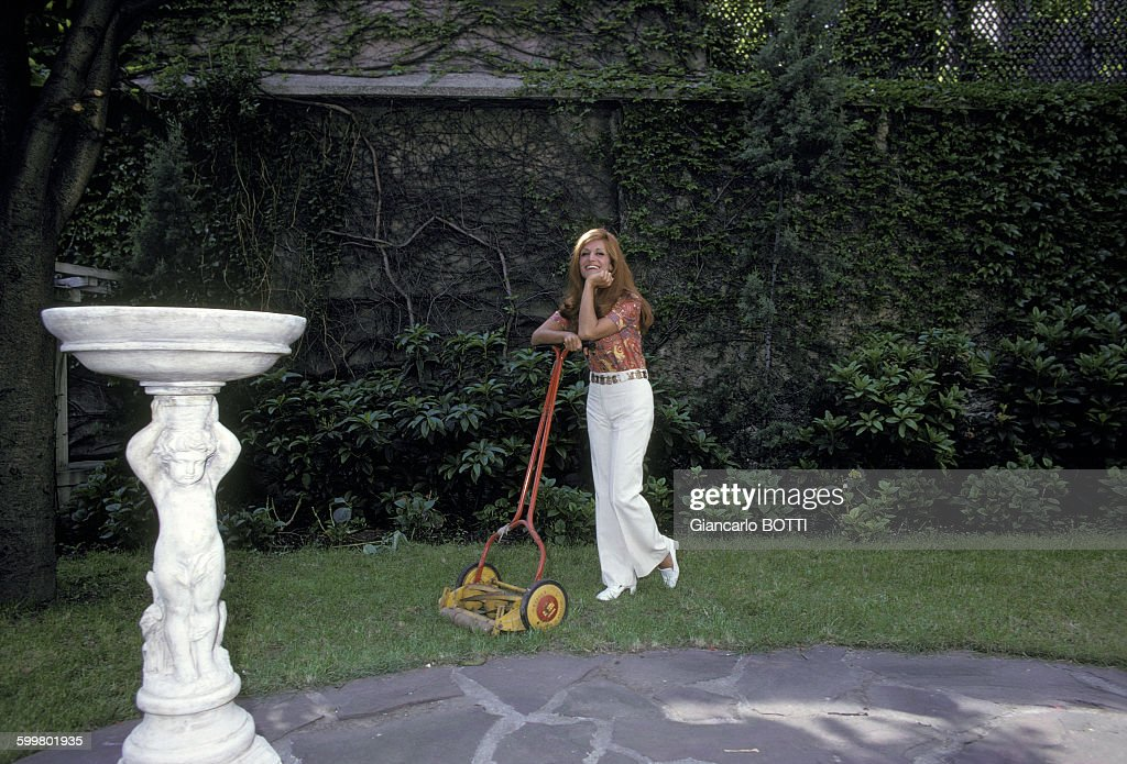 Dalida chez elle Pictures | Getty Images