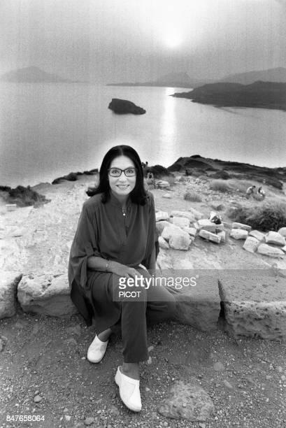 La chanteuse Nana Mouskouri, le 31 juillet 1984.