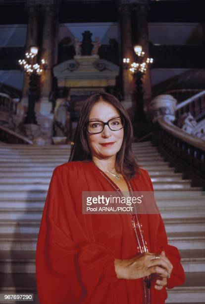 La chanteuse Nana Mouskouri à l'Opéra de Paris le 22 juin 1989 France