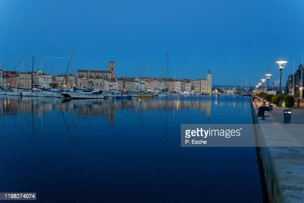 la ciotat, the marina, the ciotaden museum and the notre-dame de l'assomption church at sunset - la ciotat photos et images de collection