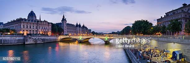 la conciergerie and paris plage - briard stock photos and pictures