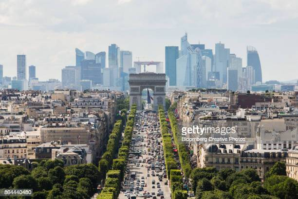 la defense business district - champs elysees quarter stock pictures, royalty-free photos & images