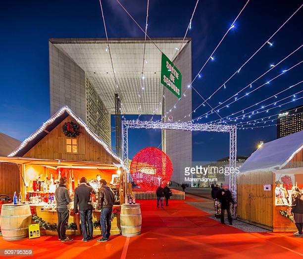 la defense, christmas market - la défense stock pictures, royalty-free photos & images