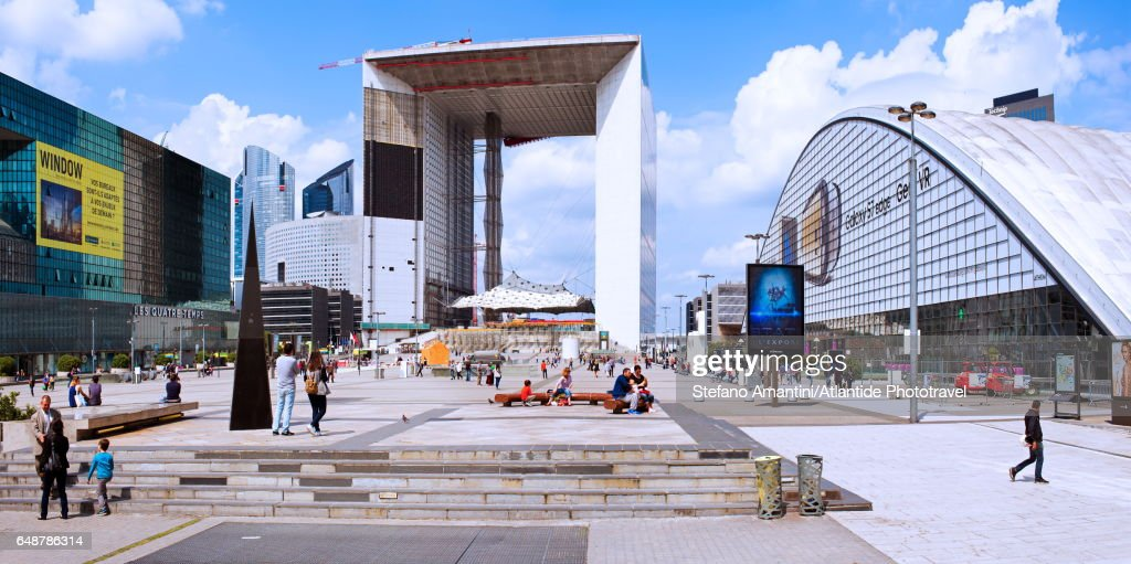 La Defense, La Grande Arche de la Defense : Stock Photo