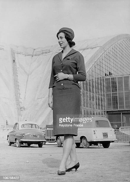 La Defense Palais Des Expositions Hostess In Front Of The Fair Palace In 1959