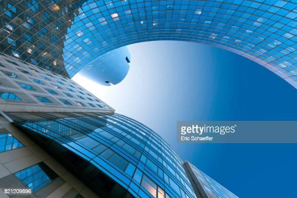 La Défense tour bleue
