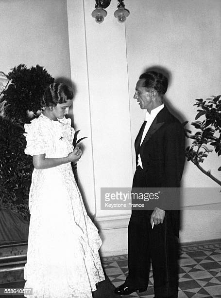La Directrice du Festival de Bayreuth et bellefille de Richard Wagner Winifred Wagner et Joseph Goebbels se rencontrent en Festival en 1936 à...