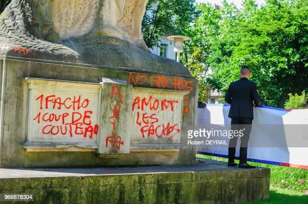 La droite nationaliste lyonnaise a réuni une cinquantaine de personnes pour rendre hommage à Jeanne d'Arc le 23 mai 2014 Lyon France Après le...