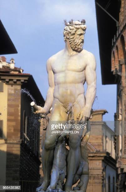 La fontaine de Neptune, sur la Piazza della Signoria à Florence, Italie.