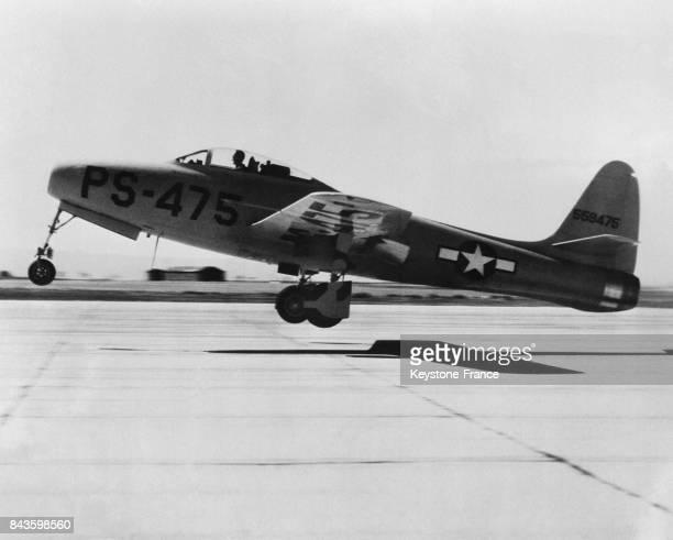 La 'Fusée éclair' le nom donné au nouvel avion de chasse américain P84 à Washington DC EtatsUnis en 1946