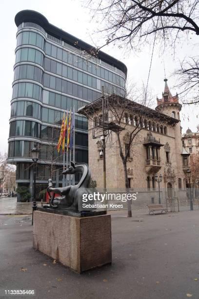 La Girafa Coqueta Sculpture, Diputació de Barcelona, Spain