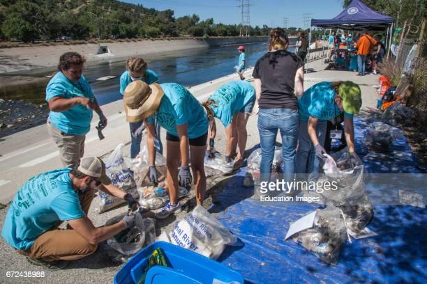 La Gran Limpieza, FoLAR River cleanup April 17 Los Angeles River, Glendale Narrows, Los Angeles, California, USA.