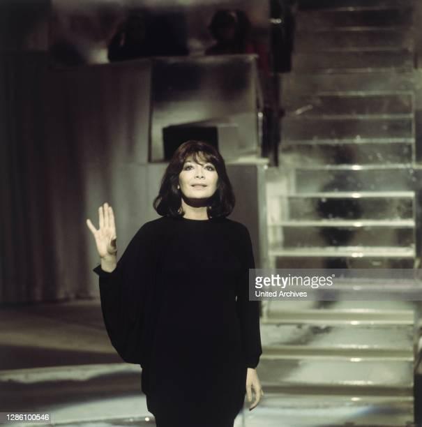 La Grande Dame des Chansons: JULIETTE GRECO , Porträt: TV Show: Liedercircus . / Überschrift: Juliette Greco.