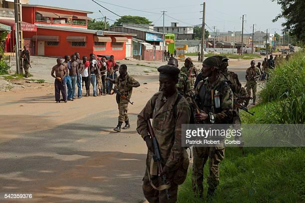 La 'Guerre d'Abidjan' 9 avril 2011 Les FRCI fideles au nouveau president Ouattara tentent de repousser les militaires fidèles a Laurent Gbagbo des...