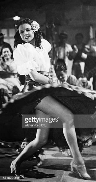 La Jana - Actress, Dancer, Germany*-+- as Concha in the film 'Stern von Rio'director: Karl Anton - 1939- Published by:'Volk im Bild' 11/1940Vintage...