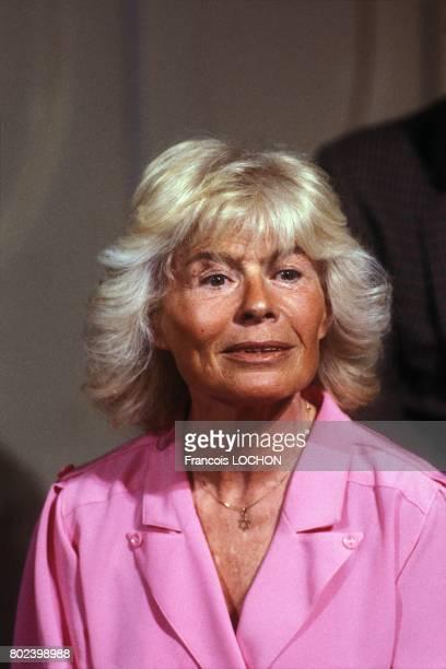 La journaliste Claude Sarraute à l'émission télévisée 'L'Heure de vérité' sur A2 avec Georges Marchais secrétaire général du PCF le 25 février 1987 à...