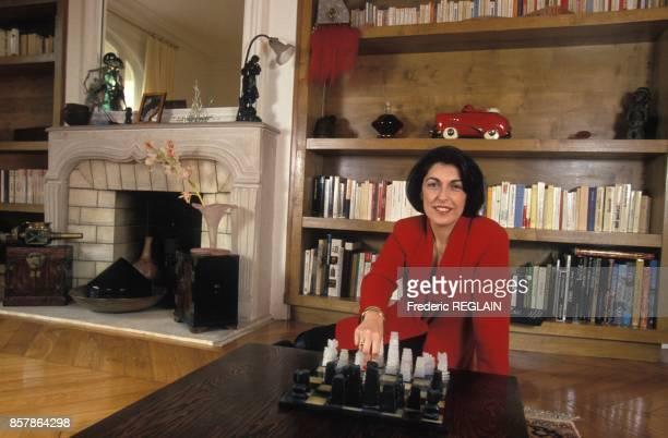 La journaliste Ruth Elkrief presentatrice sur la Chaine Info le 14 avril 1994 a Paris France