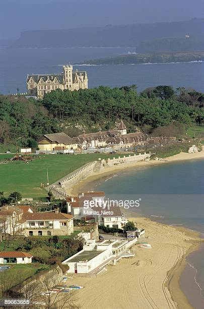 La Magadalena Palace Santander Cantabria Dominating the bay from the promontory it raise the Palace wich was built as a summer residence for Alfonso...