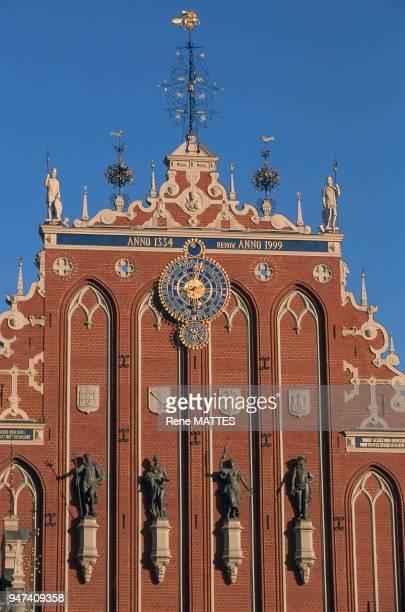 La Maison des têtes noires sur la place de l'hôtel de ville est une vieille maison de commerce qui a été totalement détruite en 1941et reconstruite à...