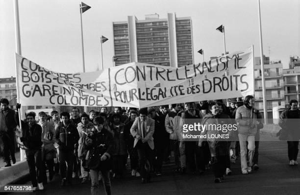 La Marche de L'Egalite appelee egalement Marche des Beurs est arrivee a Paris apres etre partie de Marseille le 15 octobre dernier dans la capitale...