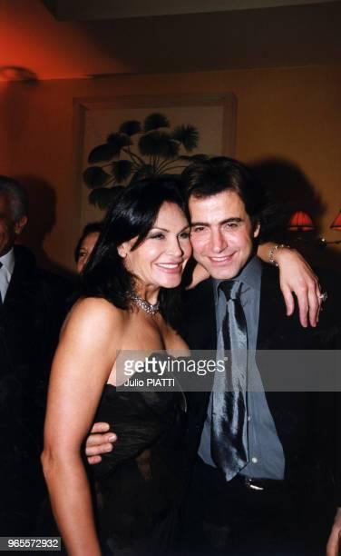 La milliardaire Mouna Ayoub en compagnie du coiffeur Alexandre Zouari fête ses 43 ans le 24 Février 2000 chez Homero à Paris France