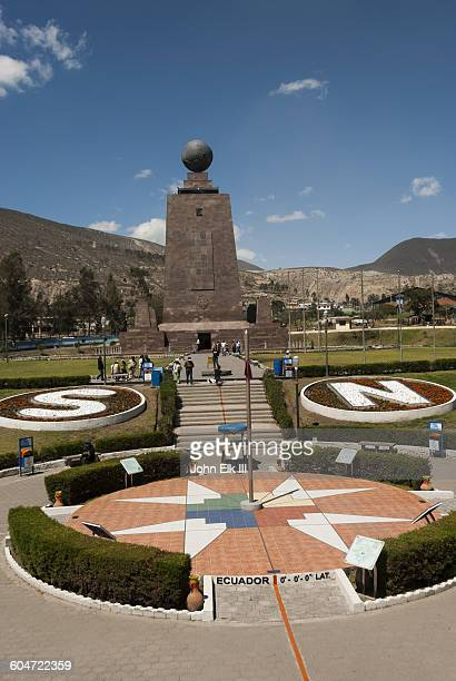 la mitad del mundo (equator) marker - letter n stock pictures, royalty-free photos & images