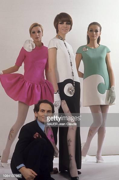 La Mode Pierre Cardin S Exporte En Amerique Ici Les Robes Ëュース写真 Getty Images