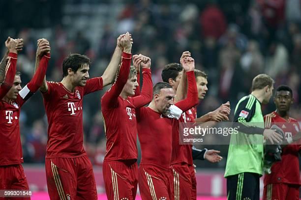 La ol La welle mit Javi Martinez FC Bayern München 1 Bundesliga Fussball FC Bayern München Hannover 96 50 Saison 2012 / 2013