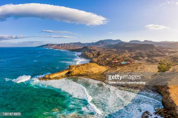 la pared and playa pared, fuerteventura, canary islands, spain, atlantic, europe - gavin hellier stock pictures, royalty-free photos & images