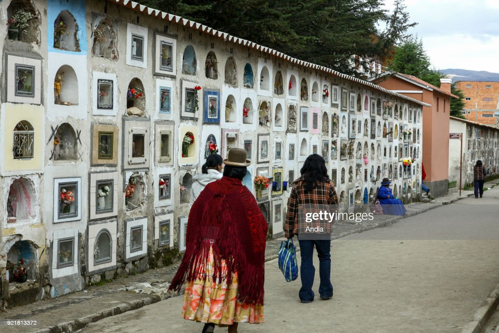 La Paz, cemetery. : News Photo