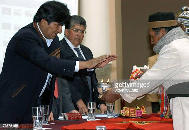 Bolivian President Evo Morales attends a ceremony with Amautas 12 July 2007 at the Presidential Palace in La Paz in the framework of a bill to...