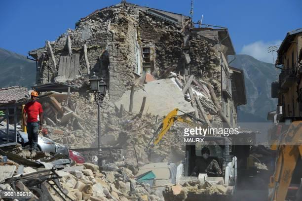 La petite ville de Amatrice dans le centre de l'Italie a été presqu'entièrement détruite le 24 aout 2016 par un tremblement de terre qui a provoqué...