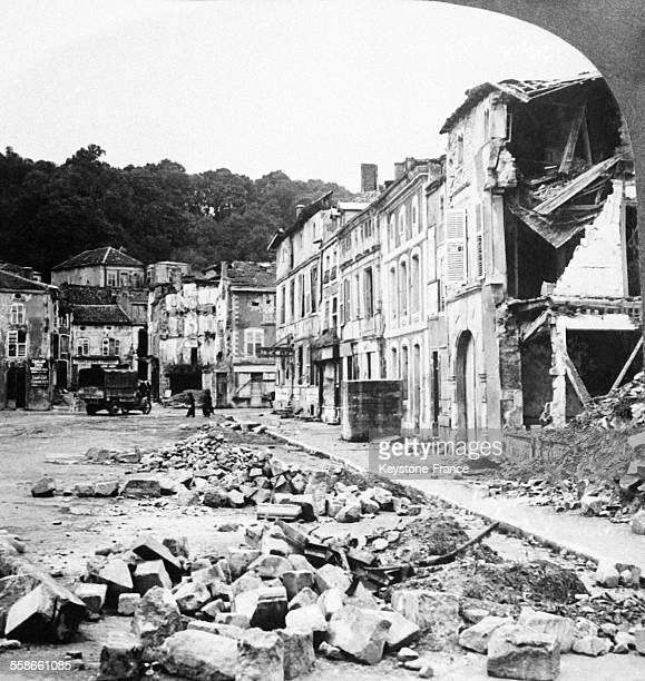 La Place des Halles après le bombardement à SaintMihiel France en 1919