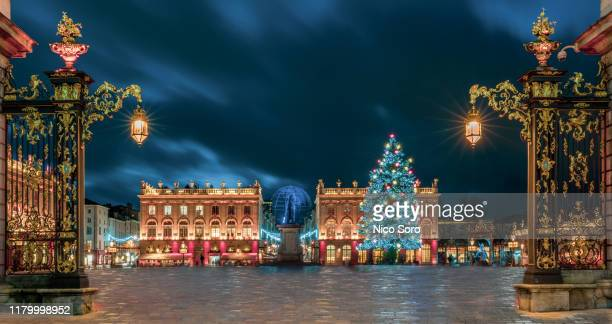 la place stanislas (the place stanislas) in nancy (france) - nancy stock pictures, royalty-free photos & images