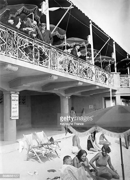 La plage à Cannes France circa 1930