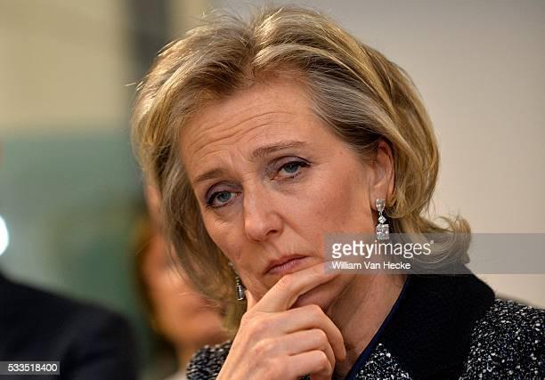 - La Princesse Astrid visite la nouvelle unité de soins d'attaque d'apoplexie de l'hôpital universitaire de Gand - Bezoek van Prinses Astrid aan de...