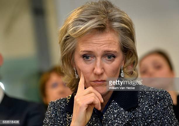 La Princesse Astrid visite la nouvelle unité de soins d'attaque d'apoplexie de l'hôpital universitaire de Gand Bezoek van Prinses Astrid aan de...